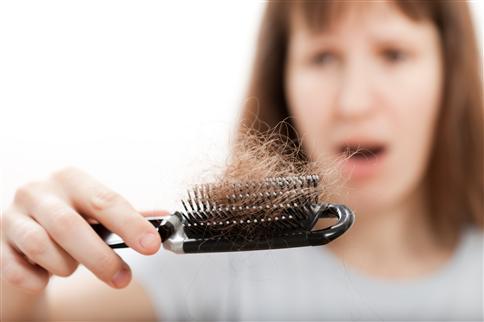 產後掉髮該怎麼辦? 中醫師:可靠食療補氣血